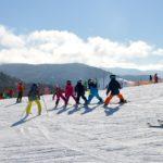 スキーレッスンはプライベートかグループどっちがいいの?どっちも受けてみた!